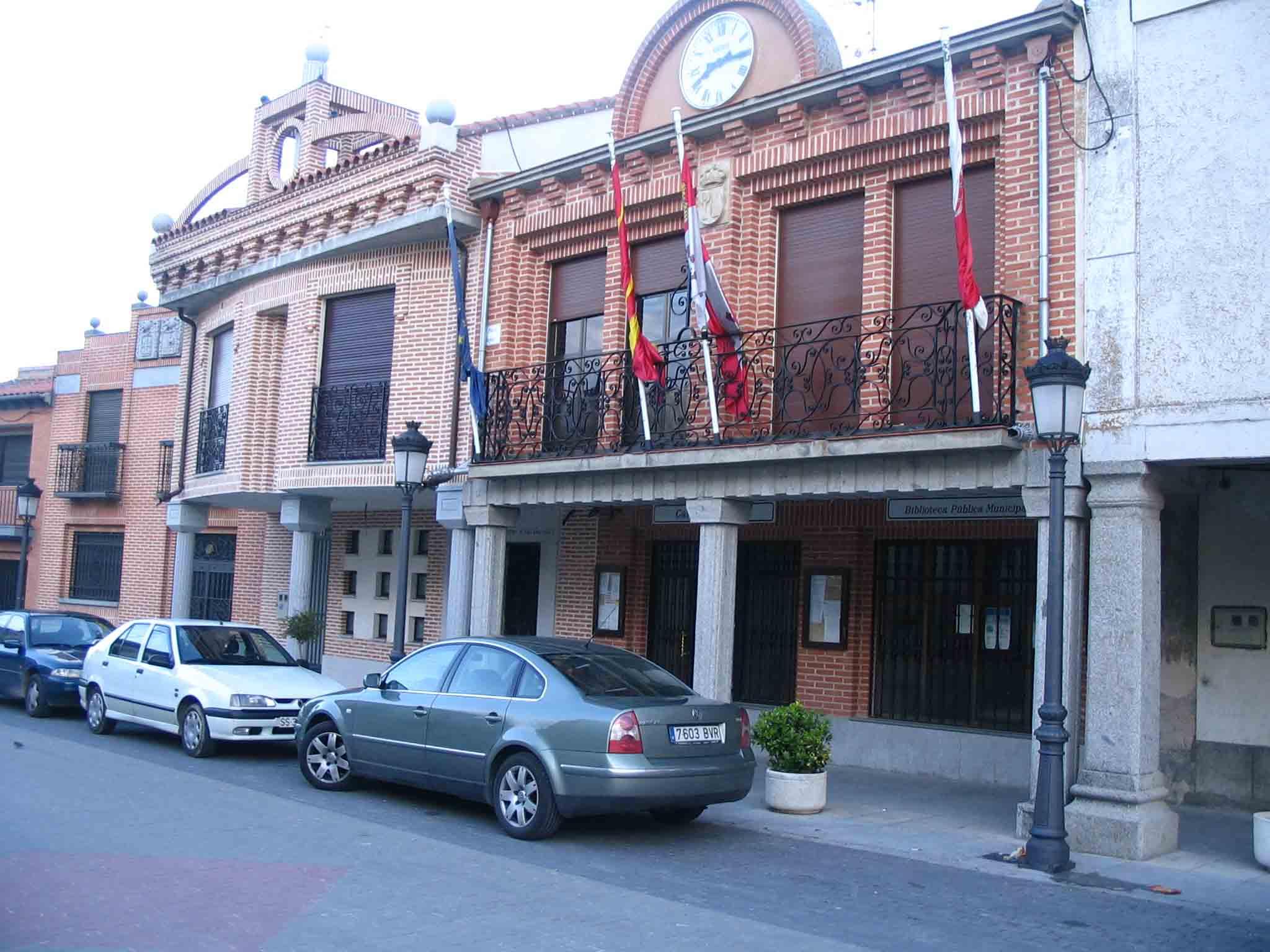 Fachada del Ayuntamiento de Macotera