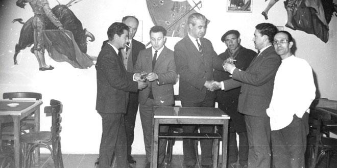 Fotografía de la peña taurina del Viti. / FOTO: https://www.territorioarchivo.org/tag/pena-taurina/