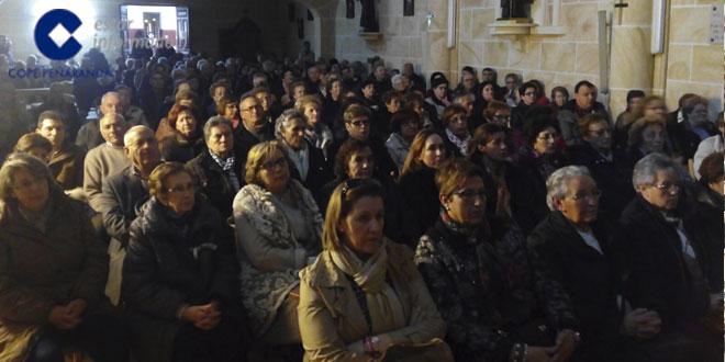 La iglesia del convento de Cantalapiedra se quedó casi pequeña para acoger a los asistentes a la reunión de Fe y Arte
