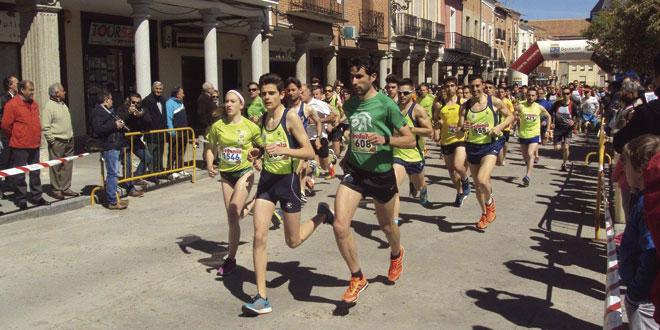 500 corredores tomaron la salida en al XXVI Carrera popular Hijos, padres y abuelos