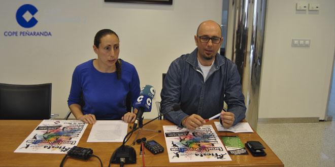 La concejala de Deportes, Pilar García, junto al coordinador municipal, Ángel García, en la presentación de esta jornada