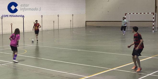 Las cabañas jugó contra pubgarfio.es en el Torneo de invierno de FS