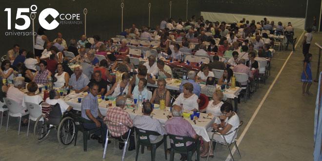 Unas 200 personas se reunieron en la cena solidaria de Alaraz
