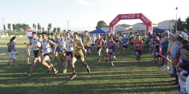 230 corredores tomaron la salida en la IX Carrera popular de Villoruela