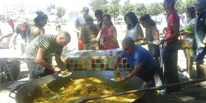Unas 300 personas compartieron una paella en las fiestas de Cordovilla