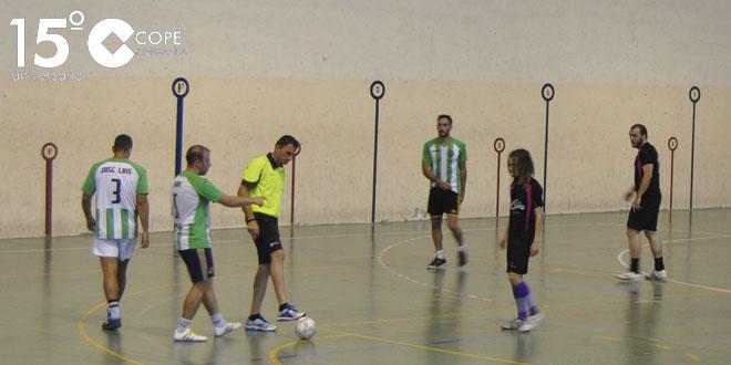 Un momento del partido entre Everon y Las Cabañas en el Torneo de verano de FS