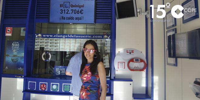 Carmen Santiago, administradora de El Ángel de la Suerte de Peñaranda