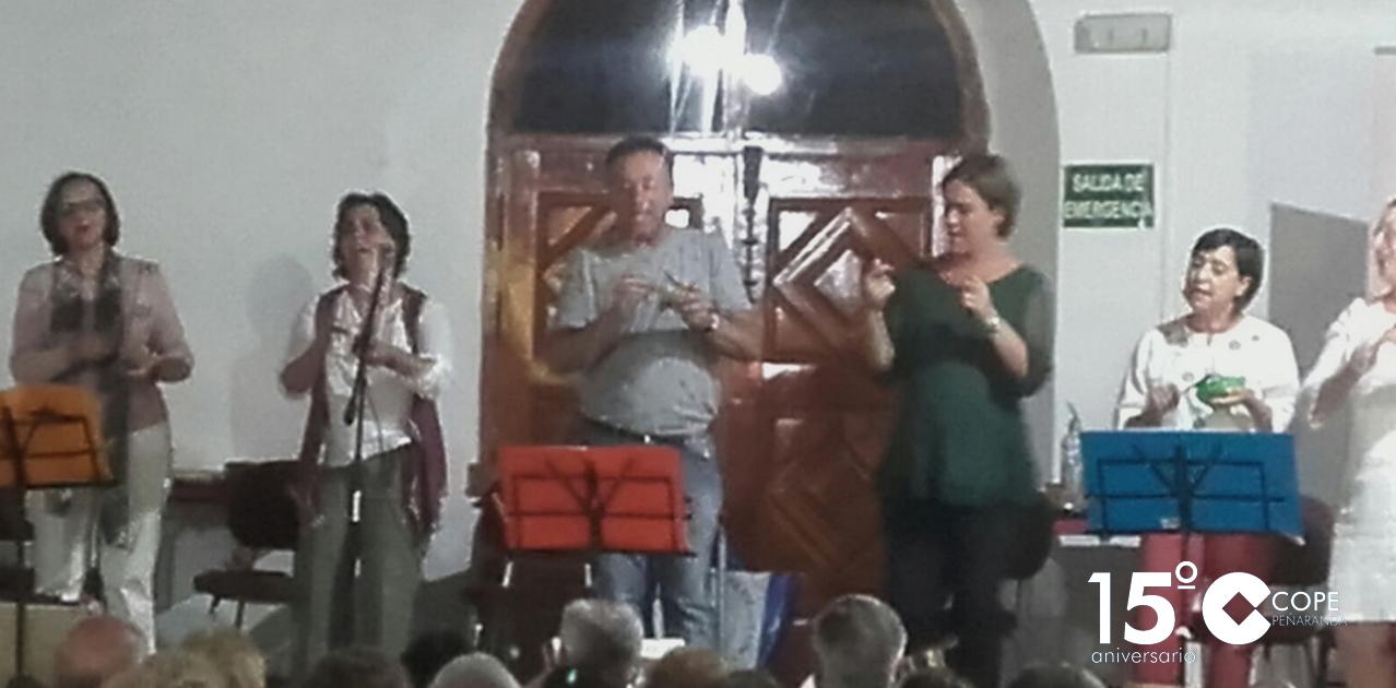 El grupo de música tradicional Alacena en su actuación en Rágama