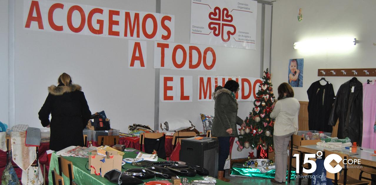 El centro parroquial de las Jesuitinas acoge el rastrillo solidario del grupo de costura