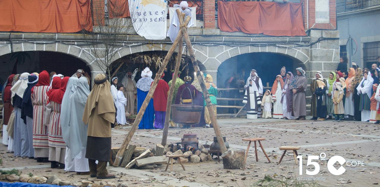 Unos 70 figurantes participaron en el belén viviente de Santiago de la Puebla