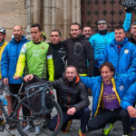 Los participantes en este particular Camino de Santiago partieron de la iglesia de Macotera. / FOTO: Ángel García, Lillo