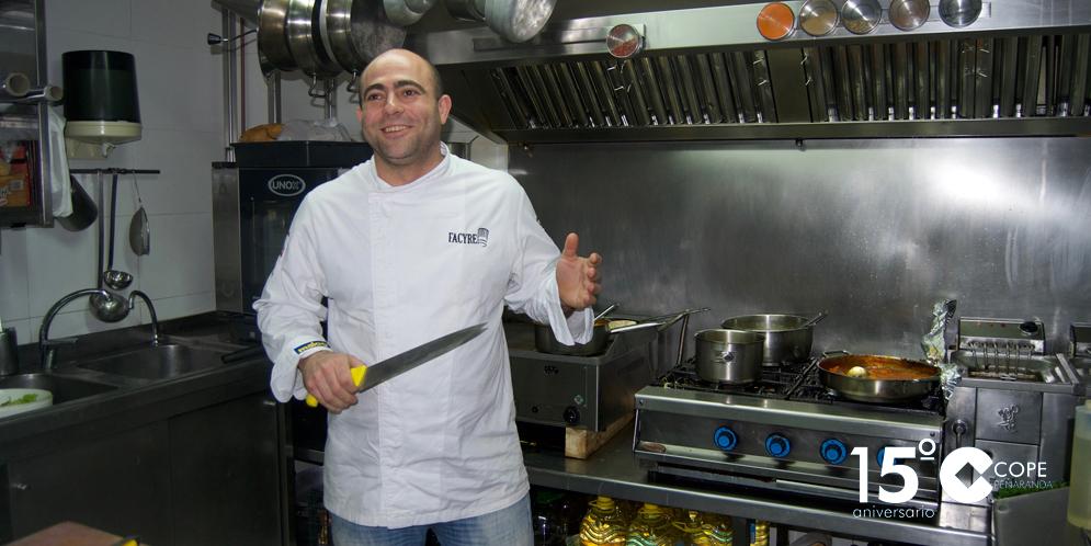 El cocinero peñarandino, Heliodoro Flores, participará en el V Concurso nacional de tapas de Gourmets.