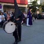 Un millar de cofrades desfilaron en la procesión del Santo Entierro de Peñaranda de Bracamonte.