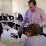 Un momento del juego de las mesas en el Centro Social de Peñaranda