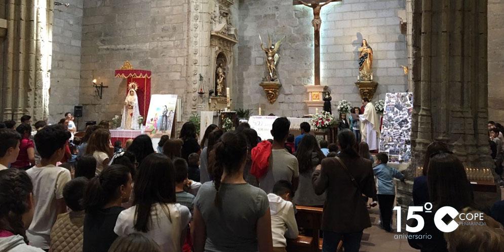 Cientos de personas acudieron a la Misa que se celebró en la parroquia San Miguel Arcángel de Peñaranda.