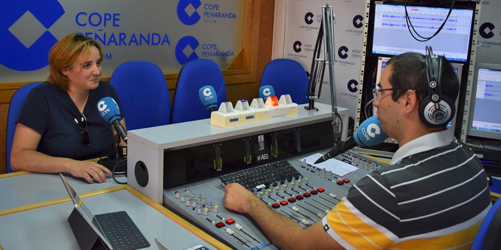 Pilar García, voluntaria de Cruz Roja, durante la entrevista en LA MAÑANA EN PEÑARANDA.