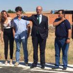 El presidente de la Diputación, Javier Iglesias, visitó el resultado de las obras ejecutadas en la carretera de acceso a Tarazona.