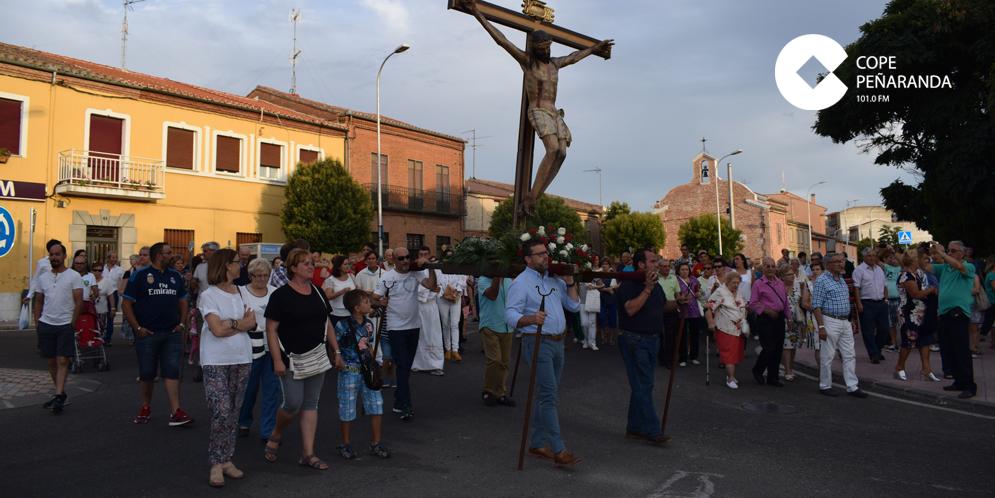 Decenas de personas participaron en la fiesta del Cristo del Humilladero de Peñaranda.