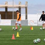 Un entrenamiento de los jugadores del CD Peñaranda.