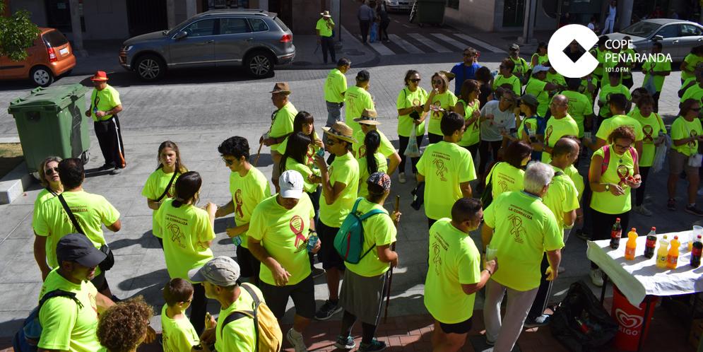 Unas 300 personas participaron en la II Marcha solidaria contra el cáncer.