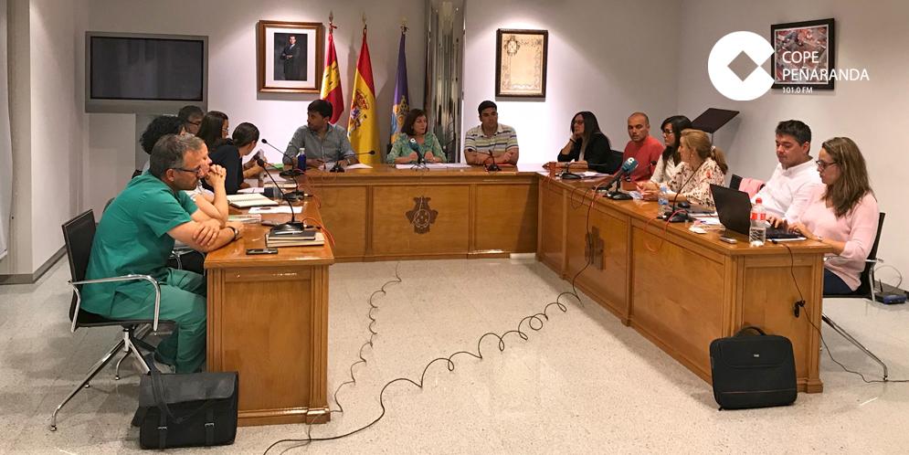 Un momento del pleno municipal del Ayuntamiento de Peñaranda de Bracamonte.
