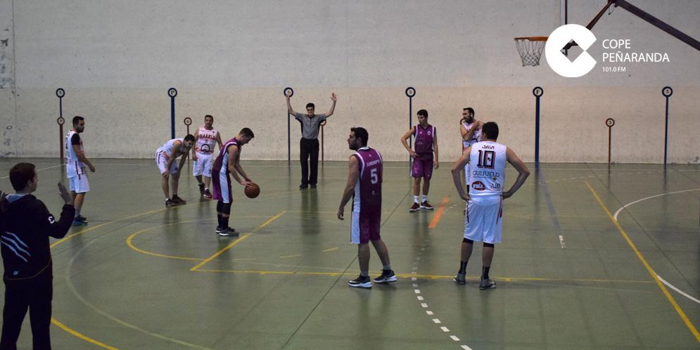 El equipo senior de baloncesto perdió de un punto contra el Santa Marta.