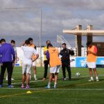 Los jugadores del CD Peñaranda durante un entrenamiento en el Luis García.
