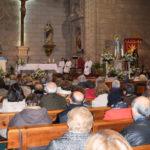 Cientos de personas llenaron la iglesia parroquial de Peñaranda para festejar a la Virgen de la Milagrosa.
