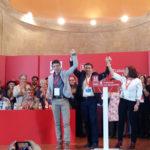 Carmen Ávila de Manueles junto a Fernando Pablos y Mario Cavero.