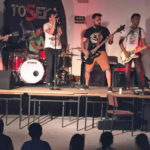 Actuación del grupo de rock ToSeka en la Fiesta solidaria de Rágama.