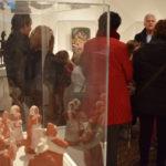 Antonio Basanta en el recorrido por la exposición de belenes «A Belén venid»