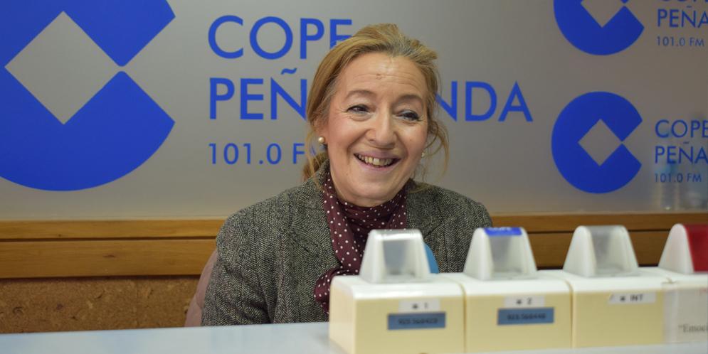La portavoz del PP, Carmen Familiar en los estudios de COPE Peñaranda.