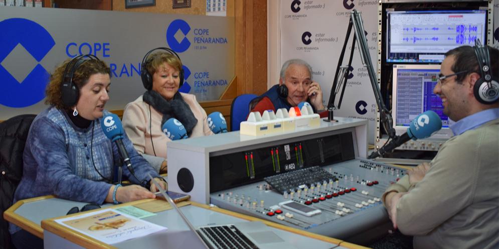 Sonsoles Fiallegas, Paqui Diaz y Marino Pérez en «La mesa de trabajo» de COPE Peñaranda.