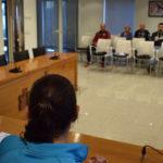 Un momento de la reunión informativa del Ayuntamiento con la ciudadanía y penas.