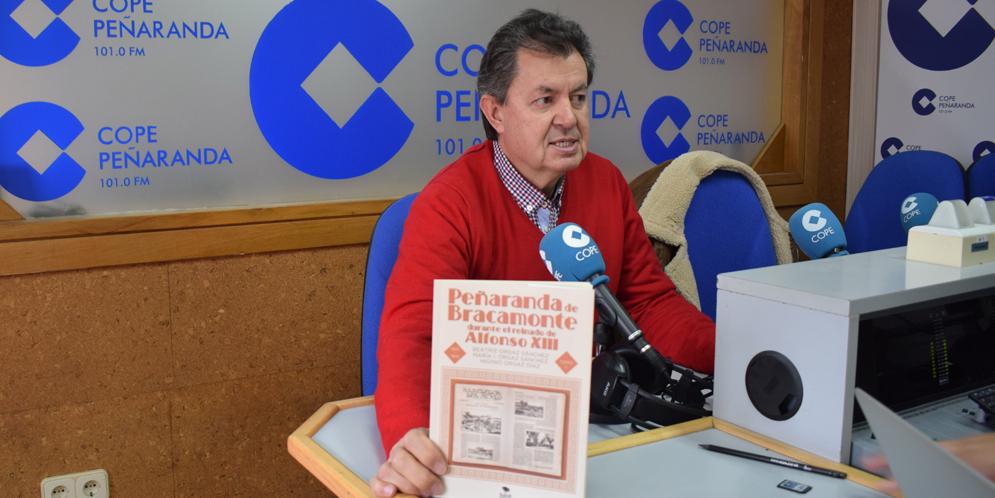 Higinio Orgaz ha publicado junto a sus dos hijas el primer volumen sobre la historia de Peñaranda.