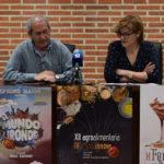 El alcalde, Francisco Blázquez, y el teniente de alcalde, Teresa Losada, presentaron la Agroalimentaria y Macoinnova.