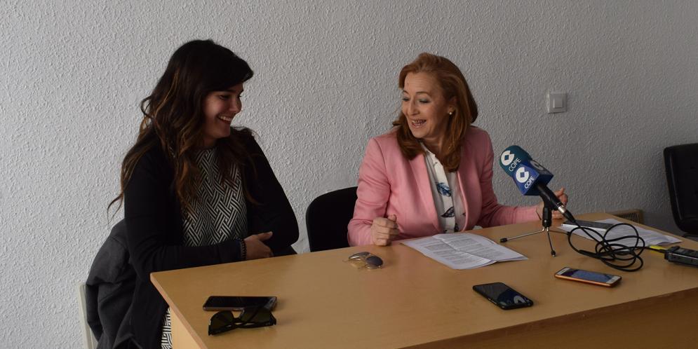 Cristina Comillas y Carmen Familiar durante la rueda de prensa sobre la Plaza de las Culturas.