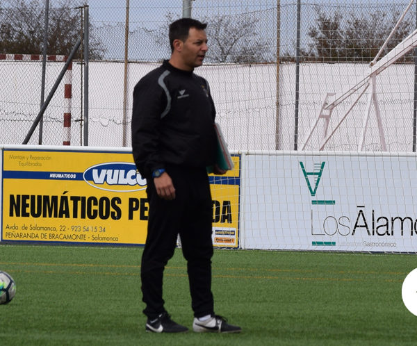José Manuel Bárez, Peque, durante uno de los entrenamientos del CD Peñaranda.