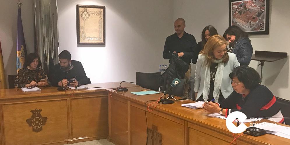 Concejales del Ayuntamiento de Peñaranda tras el pleno municipal.