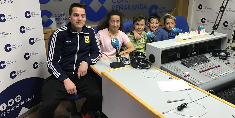 Fernando, Udane, Antonio, Gonzalo y Marco del equipo infantil B del CD Peñaranda.