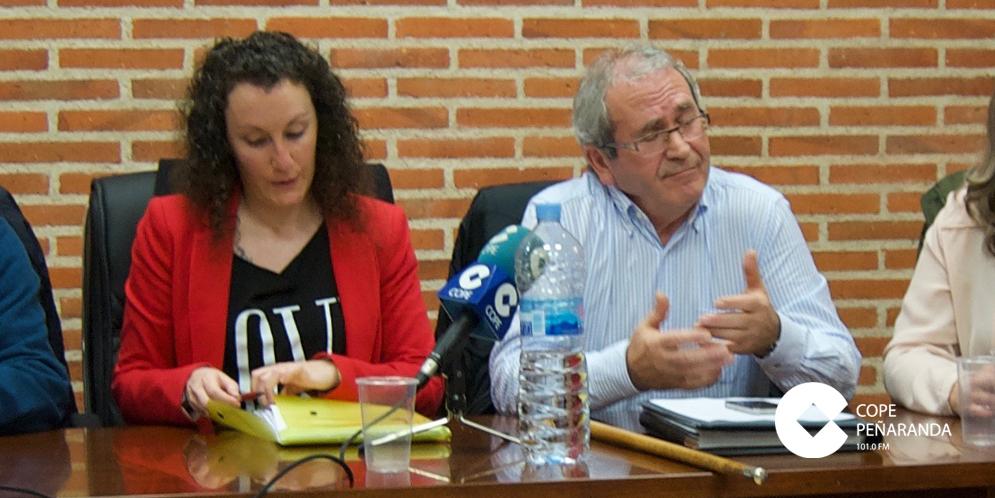 La concejala Irene Hernández, en una fotografía de archivo, junto al alcalde, Francisco Blázquez.