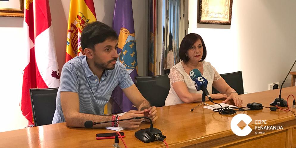 Francisco Diaz y Carmen Ávila presentaron el nuevo programa mixto de formación y empleo.