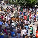 Cientos de personas acudieron a la Misa y posterior procesión a San Roque.