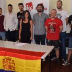 José Carrión arropa a los miembros de la Asamblea de IU Tierra de Peñaranda.