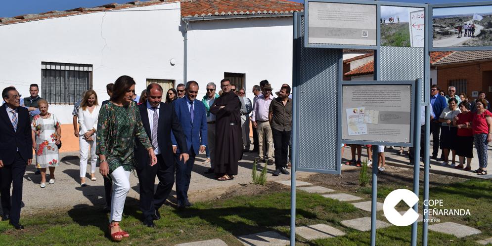 La consejera de Cultura y Turismo durante su visita a Mancera de Abajo.