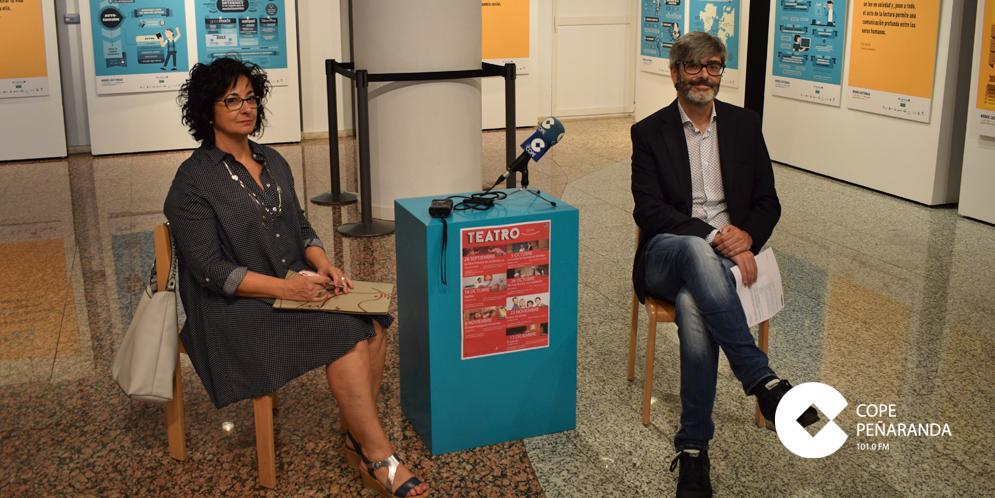 Araceli Rodríguez y Carlos Vicente presentaron la programación de artes escénicas.
