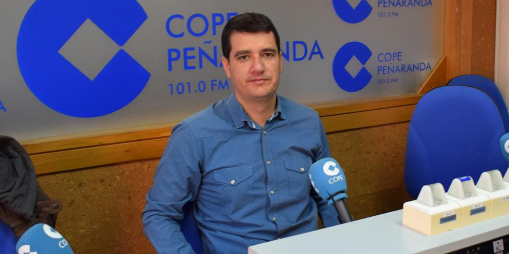 El alcalde de Rágama, José Luis Moyano, en los estudios de COPE Peñaranda.