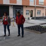 Carmen Ávila e Isidro Rodríguez en la Plaza del Juego de pelota.
