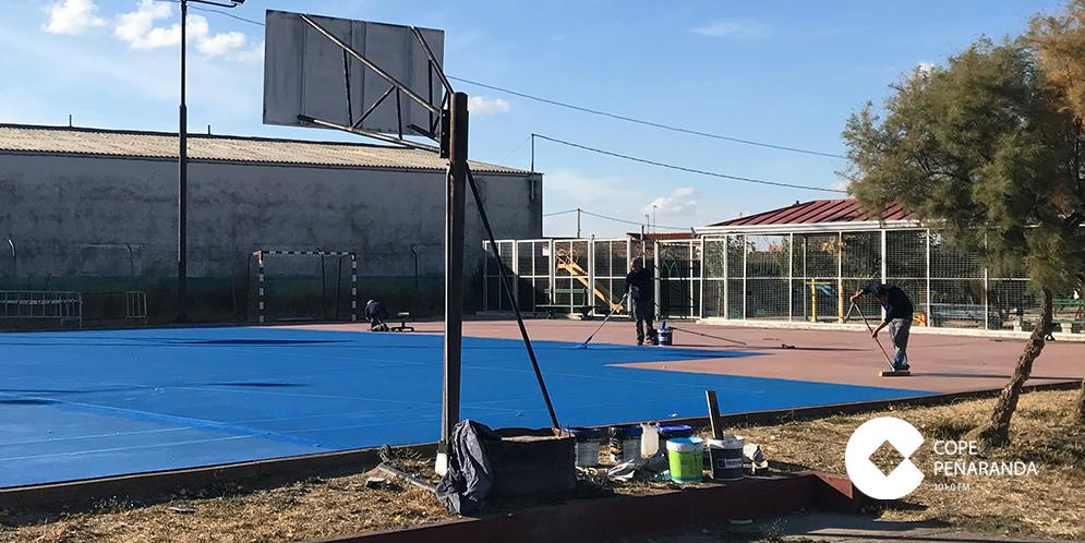 El Ayuntamiento de El Campo ha ejecutado obras de mantenimiento de la pista polideportiva.