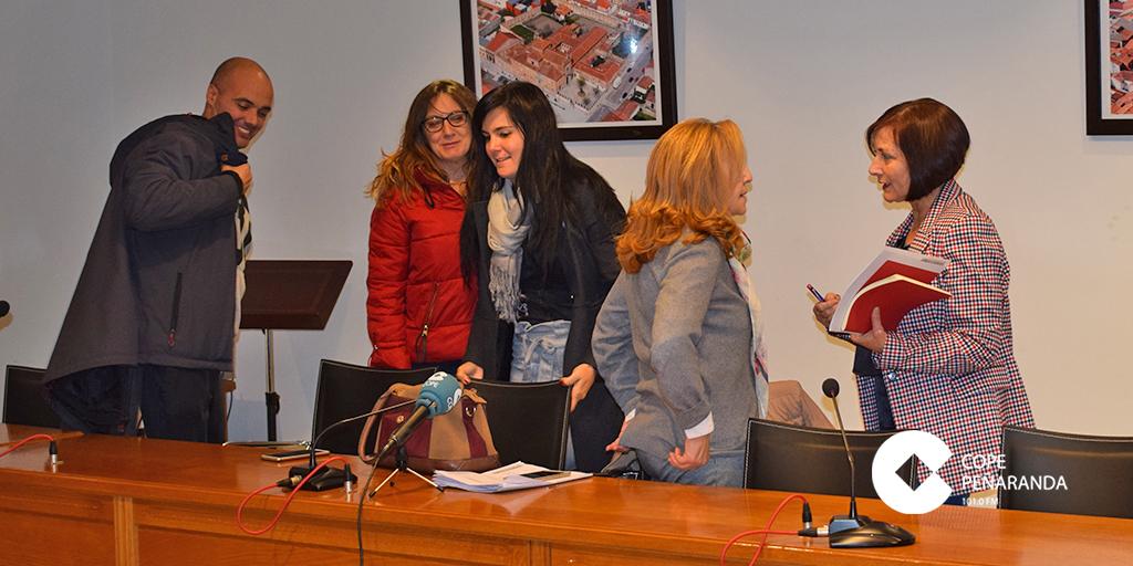 La alcaldesa y portavoz del PP tras el pleno del Ayuntamiento de Peñaranda.